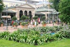 Parc et Art Nouveau Cafe d'esplanade de Helsinki Images stock