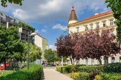 Parc AM Hundsturm OM de ville par jour d'été ensoleillé Vienne, Autriche photo stock