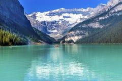 Parc national Alberta Ca de Louise Canoes Snow Mountains Banff de lac images libres de droits