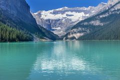 Parc national Alberta Ca de Louise Canoes Snow Mountains Banff de lac image libre de droits