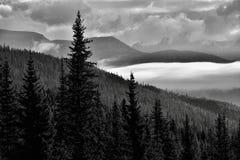 Parc national de Banff de lever de soleil de vallée de montagne photos stock