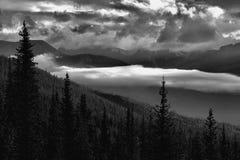 Parc national de Banff de lever de soleil de vallée de montagne image libre de droits