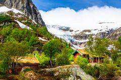 Parc national de Folgefonna avec la vallée et le glacier de Buardalen en Th Photos stock