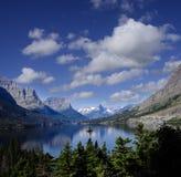 Parc national de glacier d'île sauvage d'oie, le lac st Mary's Photographie stock libre de droits