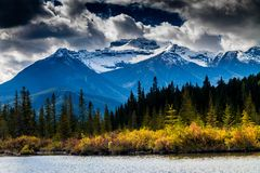 Parc national de lacs vermeils, Banff, Alberta, Canada Photo stock