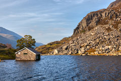 PARC NATIONAL DE SNOWDONIA, WALES/UK - 9 OCTOBRE : Bâtiment sous W Images stock