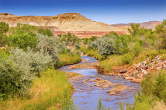 Parc national Utah de montagne de Fremont de rivière de récif blanc rouge de capitol Images stock