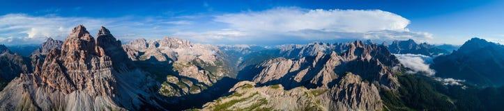 Parc naturel national de panorama Tre Cime In les Alpes de dolomites Soyez Photographie stock libre de droits