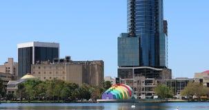 Parc Orlando d'Eola de lac orlando Downtown City Skyline From banque de vidéos