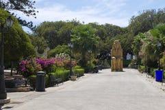 Parc principal abandonné au centre de Trapani dans le midi élevé, Sicile, Italie Image libre de droits