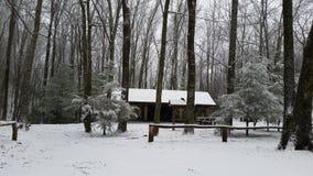Parc rond de bouton avec la neige Image libre de droits