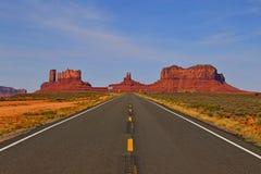 Parc tribal de Navajo de vallée de monument d'Oljato en Utah photographie stock libre de droits