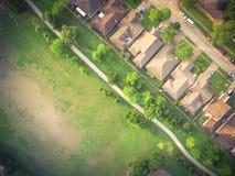 Parc urbain de vert de vue supérieure grand près de zone résidentielle aux Etats-Unis Photographie stock