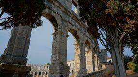 Parcela antiga do anfiteatro da construção na cidade dos Pula na Croácia Imagens de Stock