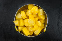 Parcela de abacaxi cortada, foco seletivo Imagens de Stock
