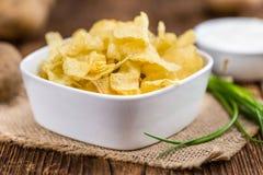 Parcela de gosto de Chips Sour Cream da batata foto de stock