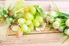 Parcela de uvas verdes frescas imagem de stock royalty free