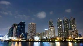 Parcheggi, all'aperto, il thailandconstruconstruction, il lasso di tempo, il businessction, il lasso di tempo, città archivi video