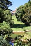 Parcheggi con lo stagno, il palazzo di Monserrate, Sintra, Portogallo Fotografie Stock Libere da Diritti