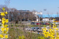 Parcheggiando all'aeroporto Burgas in Bulgaria immagini stock libere da diritti