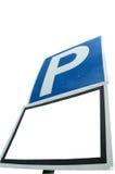 Parcheggiando con il segno bianco in bianco Fotografie Stock
