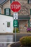 Parcheggiando firma dentro la contea di Amish, Lancaster, PA Fotografia Stock