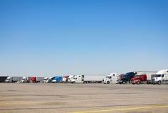 Parcheggio del Semi-camion immagini stock