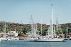 Parcheggio dell'yacht nel porto, yacht club del porto in Marina di Scarlino Immagine Stock Libera da Diritti