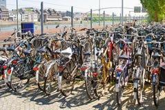 Parcheggio della bici Fotografie Stock