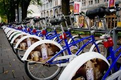 Parcheggio della bici a Oslo, Norvegia Immagine Stock