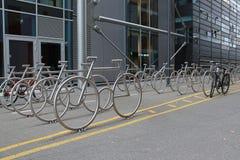 Parcheggio della bicicletta a Oslo Immagini Stock Libere da Diritti