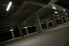 parcheggio di effetto di contrasto di colori sotterraneo fotografia stock libera da diritti