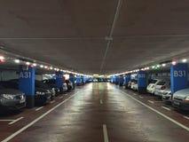 parcheggio di effetto di contrasto di colori sotterraneo Immagini Stock Libere da Diritti