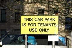 Parcheggio di parcheggio privato del segno degli inquilini del Consiglio fotografia stock libera da diritti