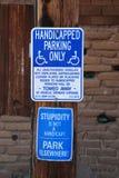Parcheggio handicappato soltanto fotografie stock libere da diritti
