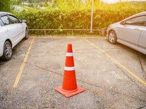 Parcheggio libero con il cono di traffico Fotografia Stock
