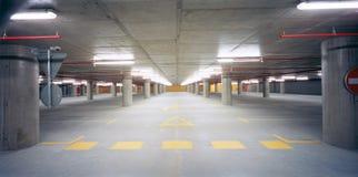 Parcheggio sotterraneo Immagine Stock