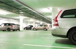Parcheggio sotterraneo/garage Immagine Stock