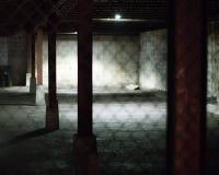 Parcheggio vuoto alla notte fotografia stock libera da diritti