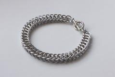 Parcialmente bracelete de Chainmail do persa fotografia de stock royalty free