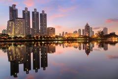 Parco Bangkok di Benjasiri a twilinght Immagini Stock Libere da Diritti