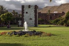 Parco con una fontana Immagine Stock