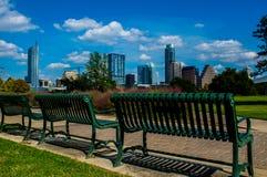 Parco del campo di verde di paesaggio urbano dell'orizzonte di Austin il Texas Fotografia Stock Libera da Diritti