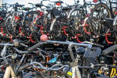 Parco del ciclo a Amsterdam, Paesi Bassi immagine stock