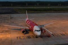 Parco di Air Asia all'aeroporto di krabi nella sera Fotografia Stock