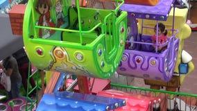 Parco di divertimenti compatto stock footage