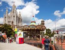 Parco di divertimenti e tempio a Tibidabo Fotografia Stock Libera da Diritti