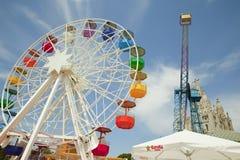 Parco di divertimenti e tempio a Tibidabo Immagine Stock