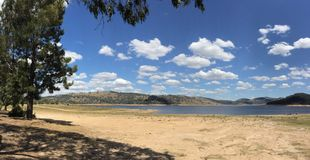 Parco di ricreazione dello stato di Wyangala vicino a Cowra nel Nuovo Galles del Sud Australia del paese Fotografie Stock