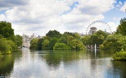 Parco di St James, vista dell'occhio di Londra fotografia stock